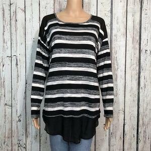 Signature Studio Pullover Shirt Top Black Gray